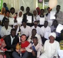 Durante la cerimonia di consegna dei diplomi dei nuovi village volunteers