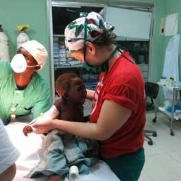Lo staff di EMERGENCY al lavoro al Complexe pediatrique di Bangui, Repubblica Centrafricana