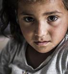 Le storie dei bambini costretti a vivere in campi profughi da mesi